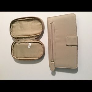 Wallet and coin/card purse